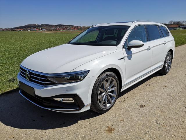 Volkswagen Passat Variant - Var. 2.0TDi R-Line DSG 4Motion ACC, elek. HK, Matrix, Navi