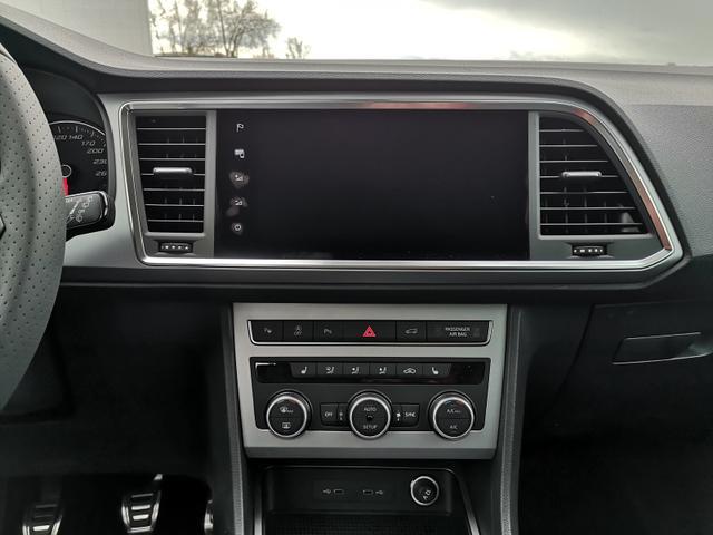 Seat Ateca 2,0TDi FR-Line DSG AHK ACC Parkl. LED Navi Spur GV5