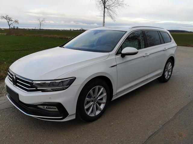 Kurzfristig verfügbares Fahrzeug, wird im Auftrag des Bestellers importiert / beschafft Volkswagen Passat Variant - 1.5TSI DSG R-Line Navi el HK AHK Pano