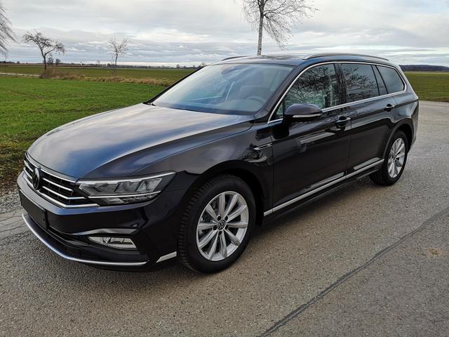 Kurzfristig verfügbares Fahrzeug, wird im Auftrag des Bestellers importiert / beschafft Volkswagen Passat Variant - 2.0 TDI R-Line Navi Kam AHK