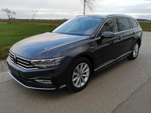 Kurzfristig verfügbares Fahrzeug, wird im Auftrag des Bestellers importiert / beschafft Volkswagen Passat Variant - 2.0 TDI DSG R-Line Navi AHK Pano