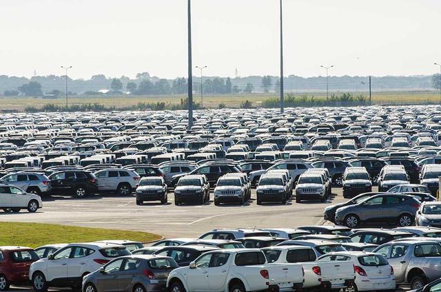 US-Autohändler Fahrzeuge in $ eingeben und in € anbieten