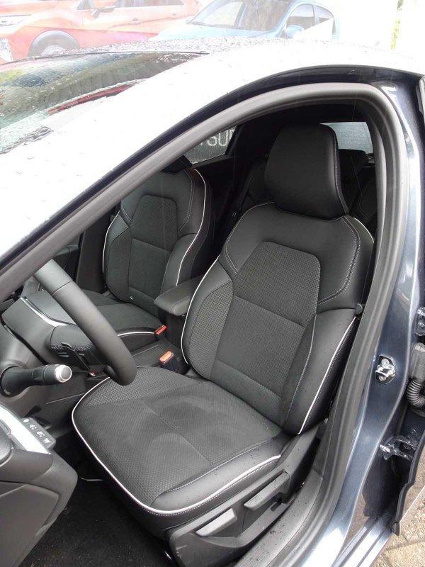 Renault Clio TCe 130 EDC Edition One, Navi, Rückfahrkamera 360°, Sitzheizung