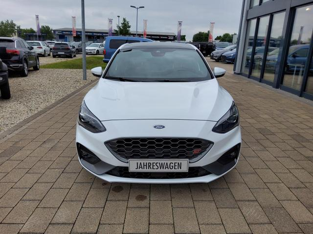 Ford Focus - 2.3 EcoBoost Autom. ST / Navi ACC Pano