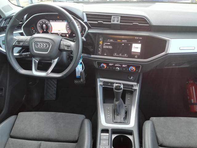 Audi Q3 35 TFSI S-Tronic S-Line / Alcantara Kamera