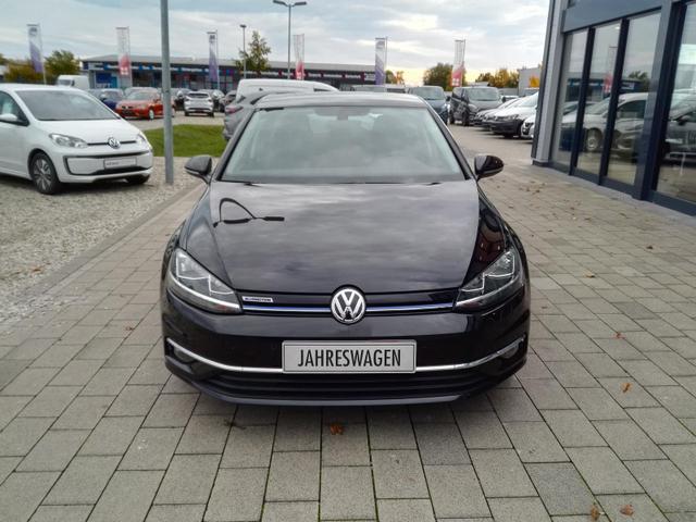 Volkswagen Golf - 1.5 TSI Comfortline Navi / ACC Kamera