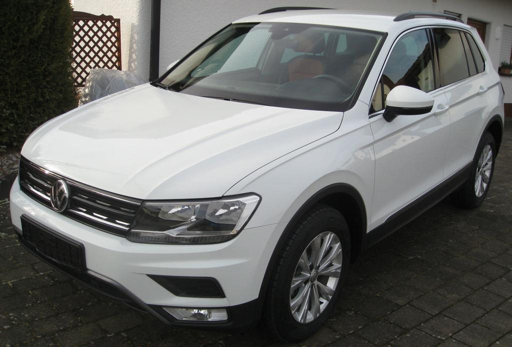volkswagen tiguan comfortline 1 4 tsi 150 ps bmt act 6 gang dsg auto goldammer. Black Bedroom Furniture Sets. Home Design Ideas