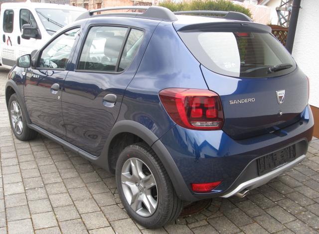 Vorlauffahrzeug Dacia Sandero - Laureate TCe 90, Navi, Kamera, Ersatzrad, Kartenmaterial...
