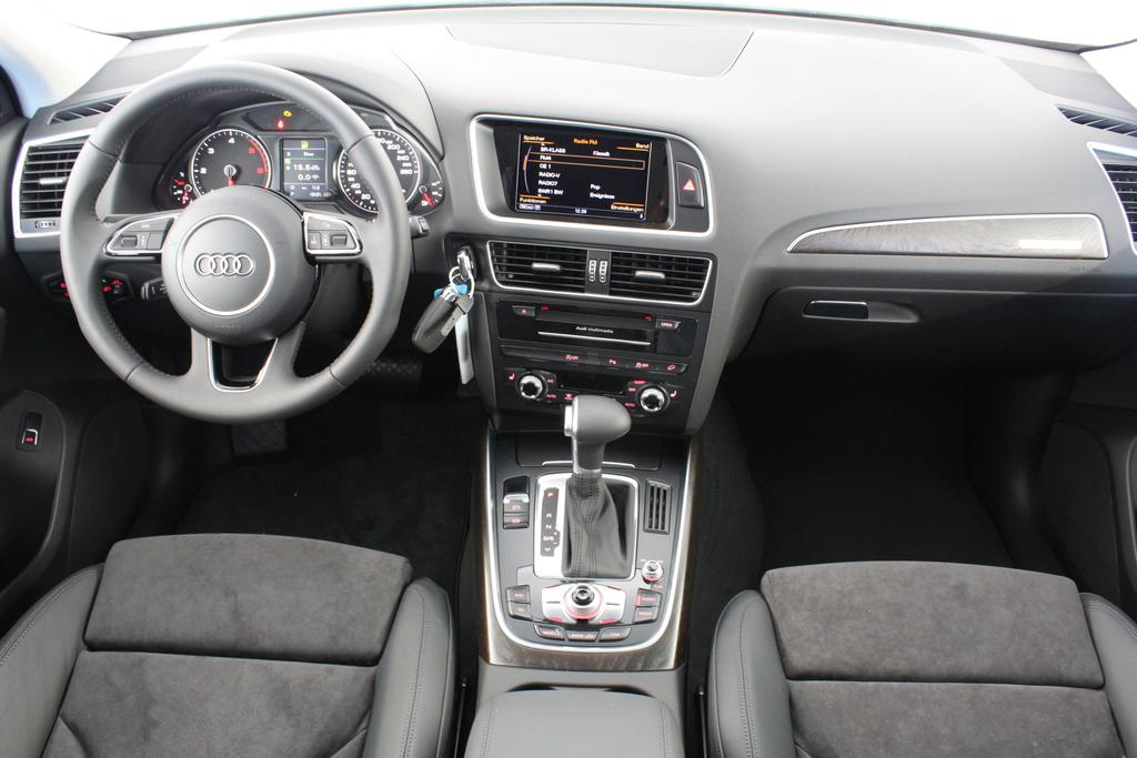 audi q5 last edition quattro s tronic s line 2 0 tdi 140kw 190ps als eu reimport eu. Black Bedroom Furniture Sets. Home Design Ideas
