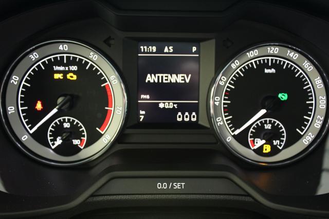 Skoda Octavia Combi Scout 2.0 TDI DSG 4x4 110kW / 150PS