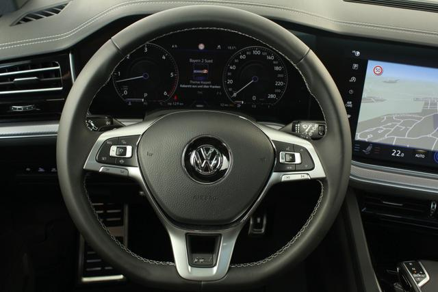 Volkswagen Touareg R-Line Vollausstattung UPE: 109.631,- 3.0 TDI V6 SCR Tiptronic 4Motion
