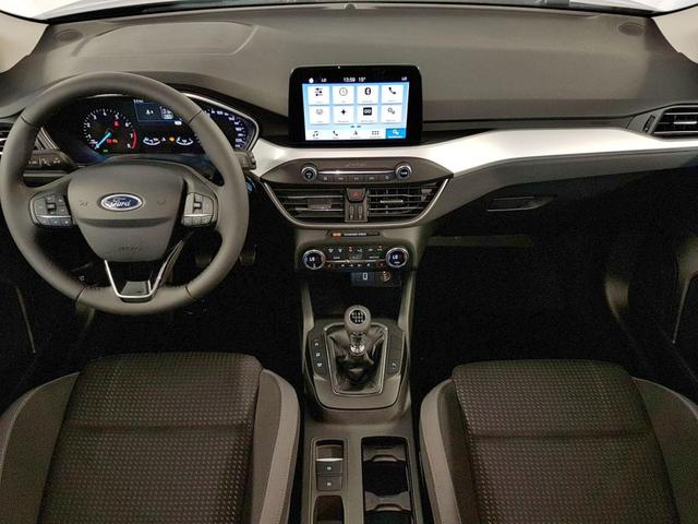 Ford Focus 4-Türer neues Modell Cool & Connect WLTP 1.5 EcoBoost 110kW / 150PS