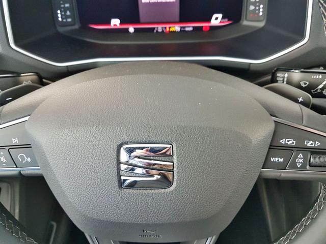 Seat / Tarraco / Schwarz / WLTP 2.0 TSI DSG 4Drive 140kW / 190PS /  /