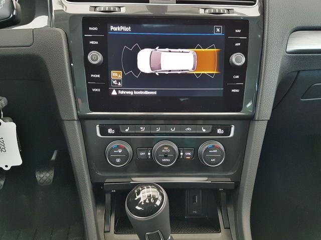 Volkswagen / Golf Variant / Schwarz / WLTP GVL 36 Mon. 1.5 TSI ACT OPF 110kW  / 150PS /  /