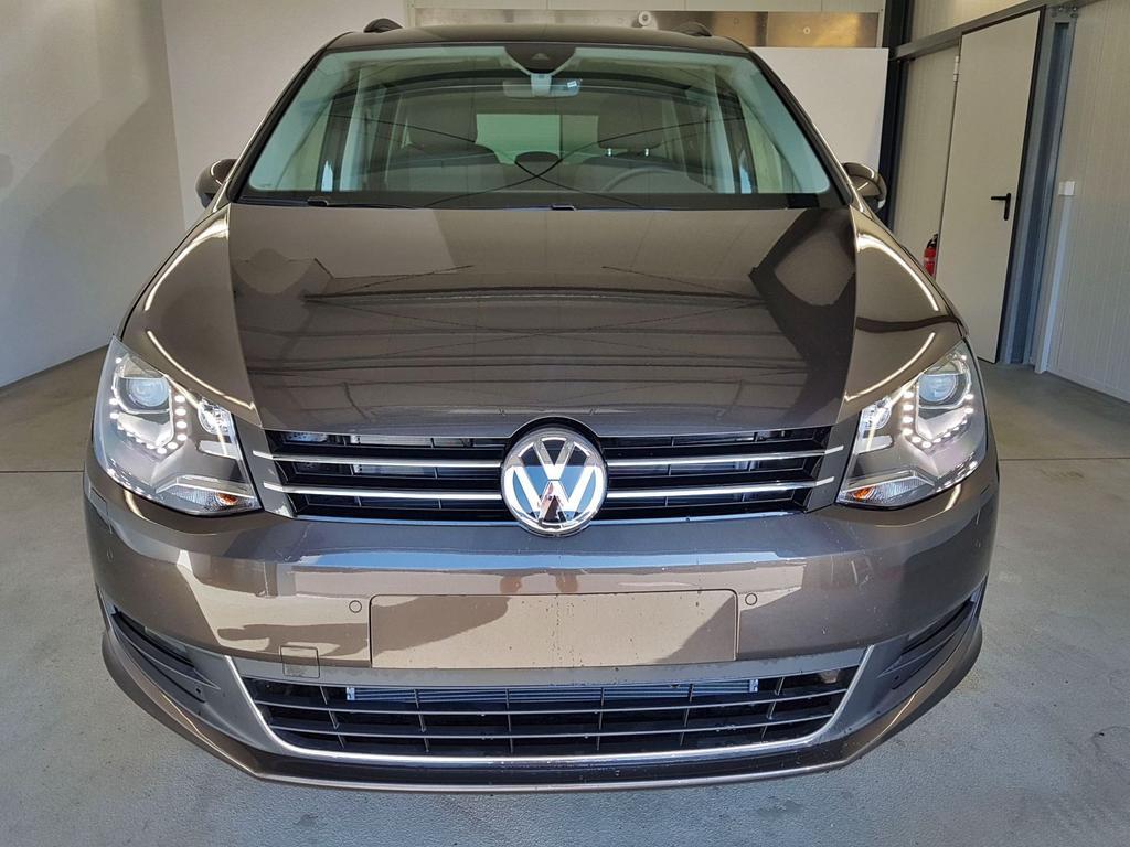 Volkswagen / Sharan / Braun / WLTP 2.0 TDI DSG SCR 110kW / 150PS /  /