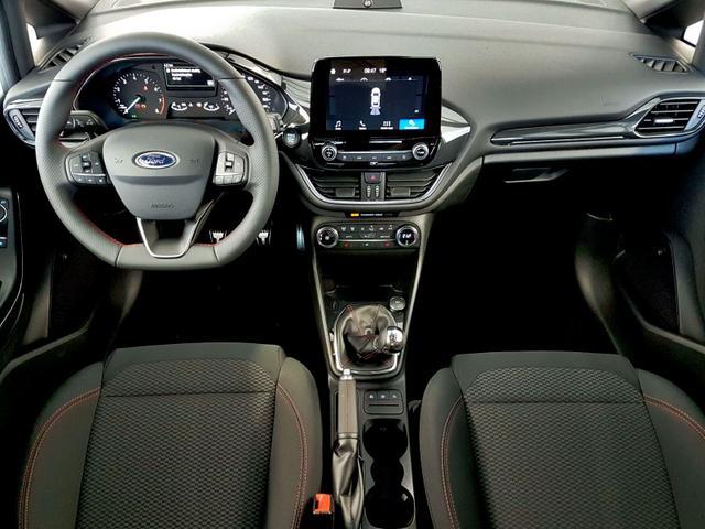 Ford / Fiesta / Rot /  /  /