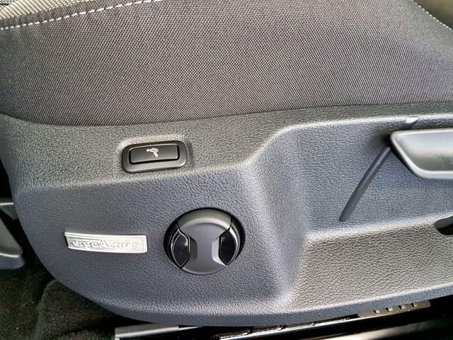 Volkswagen / Golf / Weiß /  /  /