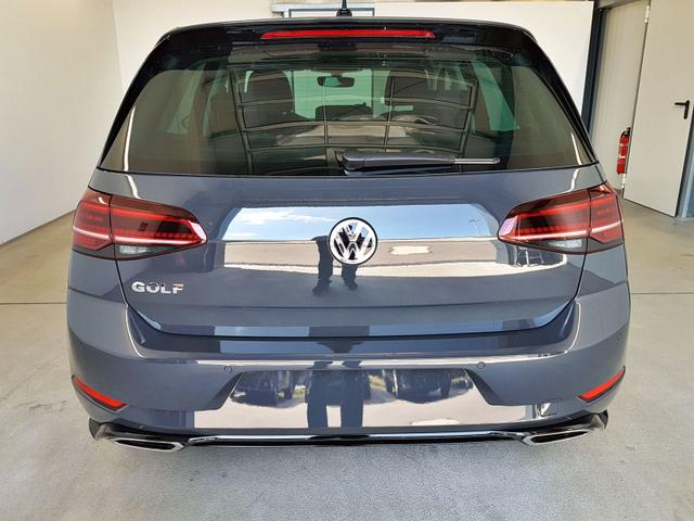 Volkswagen / Golf / Grau /  /  /