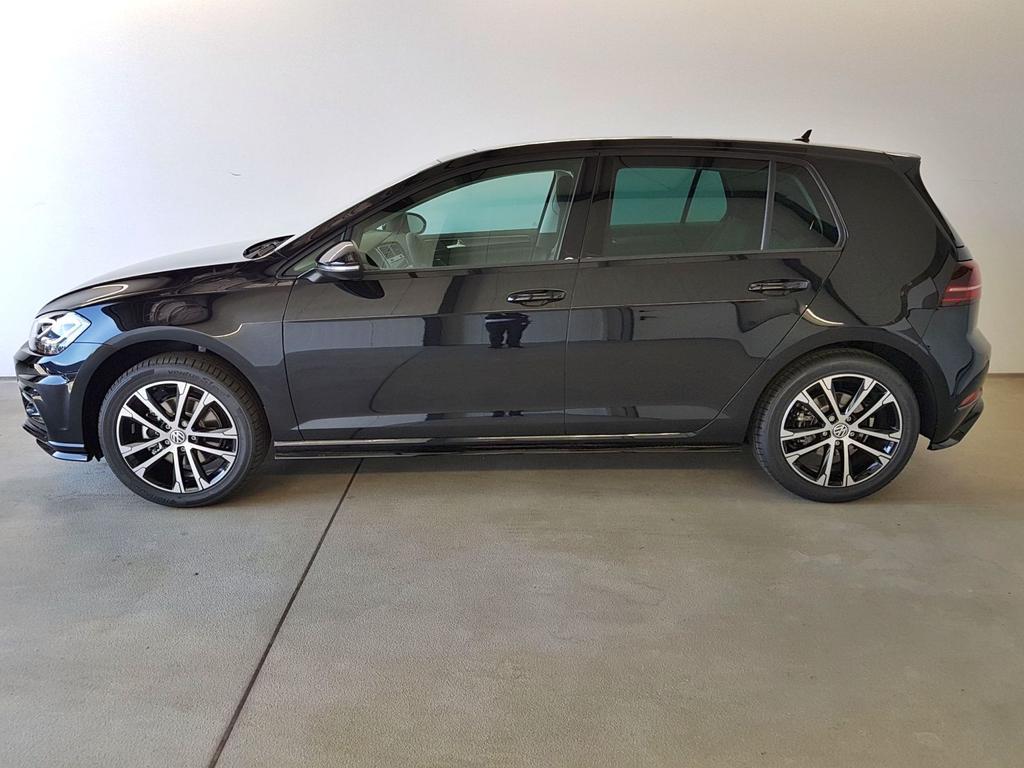 Volkswagen / Golf / Schwarz /  /  /