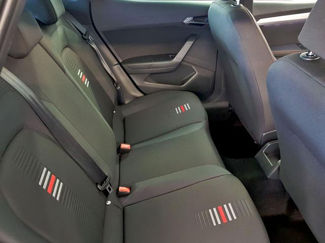 Seat / Arona / Rot /  /  /
