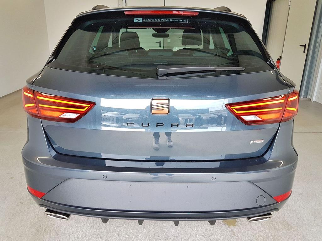 Seat / Leon ST / Grau /  /  / 300 2.0 TSI DSG 4Drive Voll WLTP