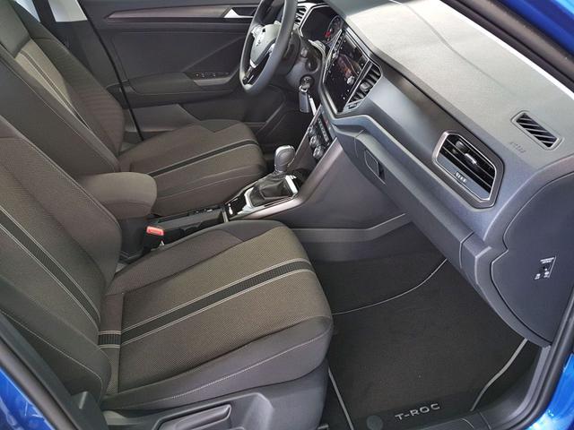 Volkswagen / T-Roc / Blau /  /  / 1.5 TSI DSG ACT OPF 110kW / 150PS