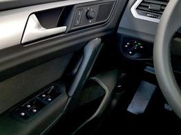 Volkswagen / Golf Sportsvan / Silber /  /  / 1.0 TSI OPF 85kW / 116PS