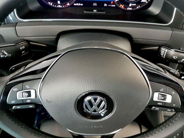 Volkswagen / Golf / Schwarz /  /  / WLTP 2.0 TDI DSG SCR 110kW / 150PS