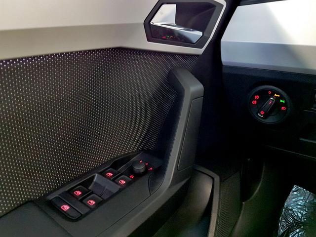Seat / Arona / Blau /  /  / WLTP 1.0 TSI 85kW / 115PS