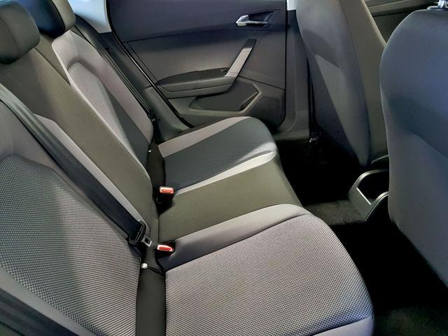 Seat / Arona / Weiß /  /  / 1.0 TSI 70kW / 95PS