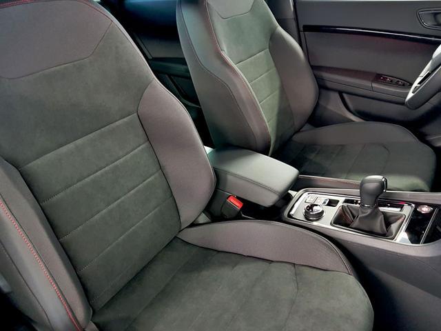 Seat / Ateca / Weiß /  /  / GVL 36 Monate 2.0 TSI DSG 4Drive 140kW / 190PS