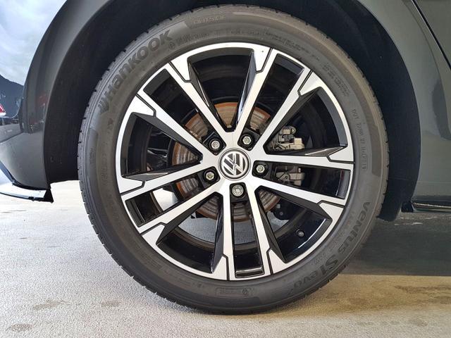 Volkswagen / Golf / Grau /  /  / 1.5 TSI ACT OPF 110kW / 150PS