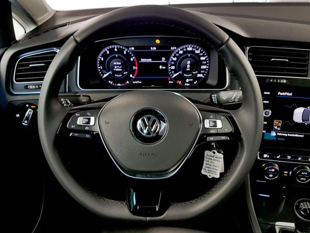 Volkswagen / Golf Variant / Grau /  /  / 1.5 TSI ACT OPF 110kW / 150PS