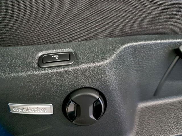 Volkswagen / Golf Variant / Weiß /  /  / 1.5 TSI ACT OPF 110kW / 150PS
