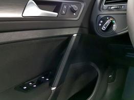 Volkswagen / Golf / Silber /  /  / WLTP 1.5 TSI  96kW / 130PS