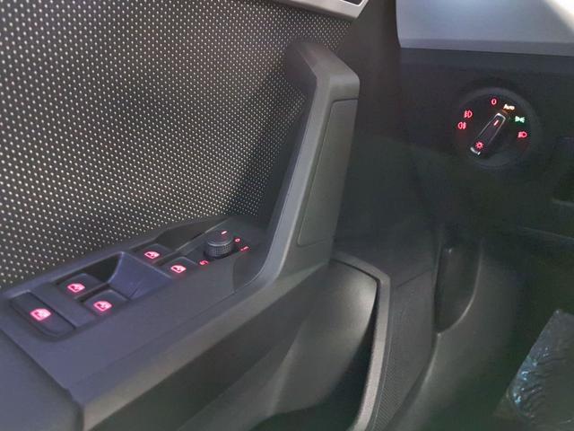 Seat / Arona / Rot /  /  / 1.0 TSI 85kW / 115PS