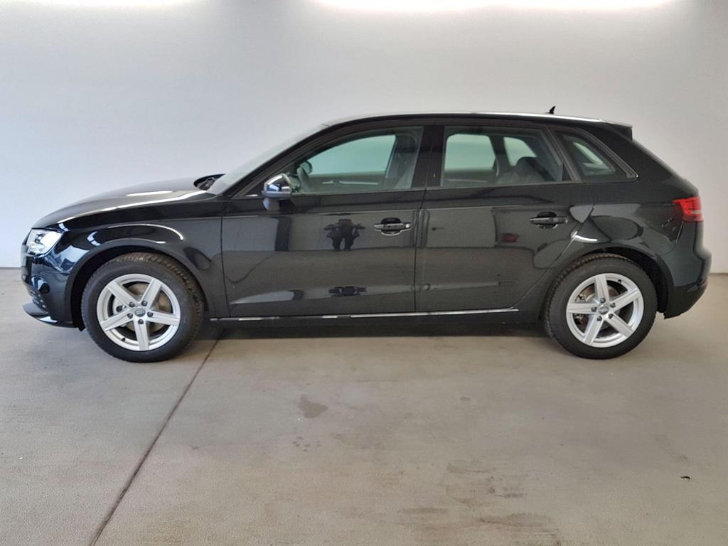 Audi / A3 Sportback / Schwarz /  /  / WLTP 1.5 TFSI 110kW / 150PS