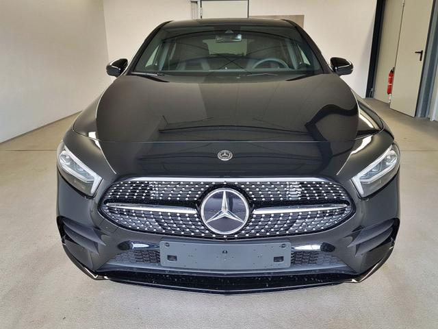 Mercedes-Benz / A 200 / Schwarz /  /  / Vollausstattung WLTP 120kW / 163PS