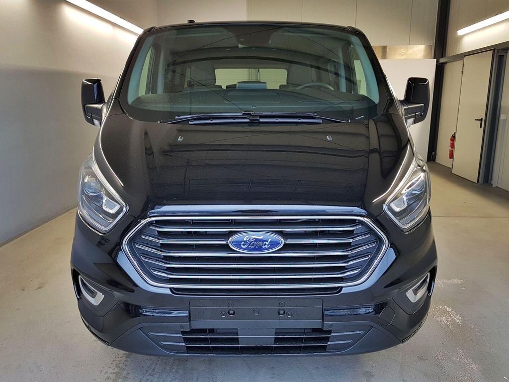 Ford / Tourneo Custom / Schwarz /  /  / L2H1 GVL 36 Mon. WLTP 2.0 TDCi Automatik 136kW / 185PS