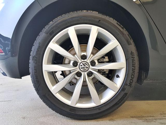 Volkswagen / Golf / Grau /  /  / WLTP 1.5 TSI  96kW / 130PS