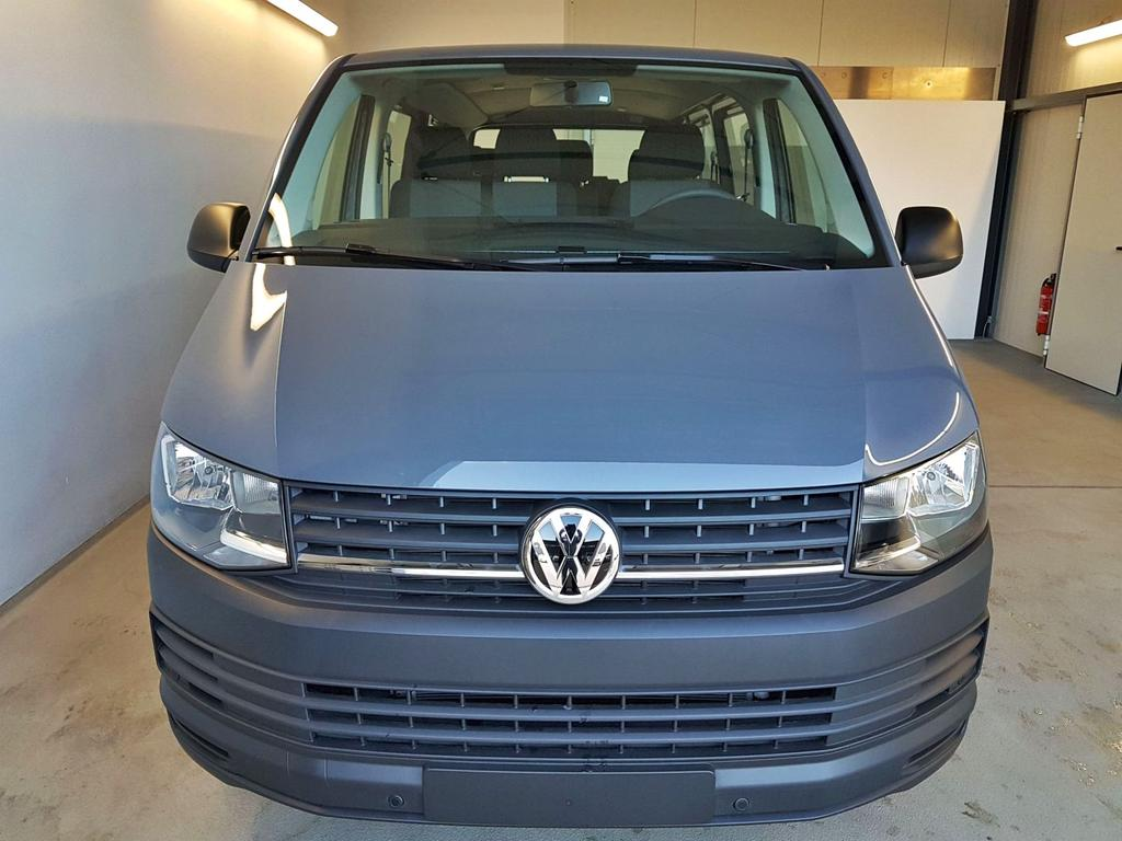 Volkswagen / T6 Transporter / Grau /  /  / 9-Sitzer 3400 mm 2.0 TDI BMT 75kW / 102PS