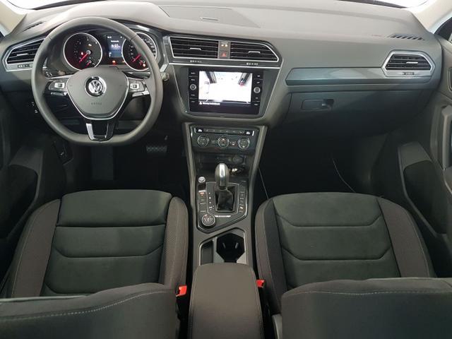 Volkswagen / Tiguan / Schwarz /  /  / WLTP 2.0 TDI DSG SCR 4Motion 110kW / 150PS
