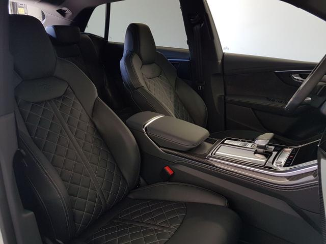 Audi / SQ8 / Weiß / / / Vollausstattung 320kW / 435PS WLTP