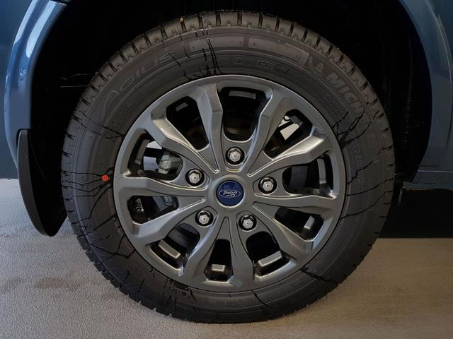 Ford / Tourneo Custom / Blau /  /  / L2H1 WLTP 2.0 TDCi Automatik 136kW / 185PS