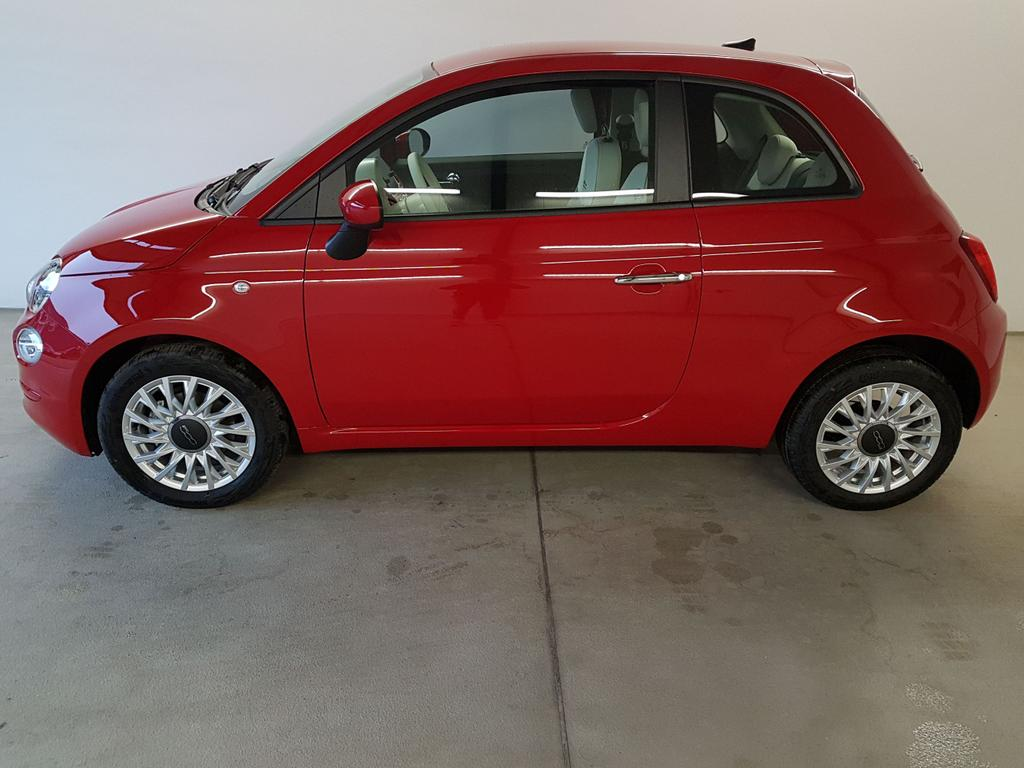 Fiat / 500 / Rot /  /  / 1.0 Hybrid BSG 51kW / 70PS