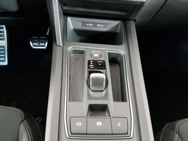 Cupra / Leon Sportstourer / Schwarz /  /  / 1.4 Plug-in-Hybrid DSG 180kW / 245PS