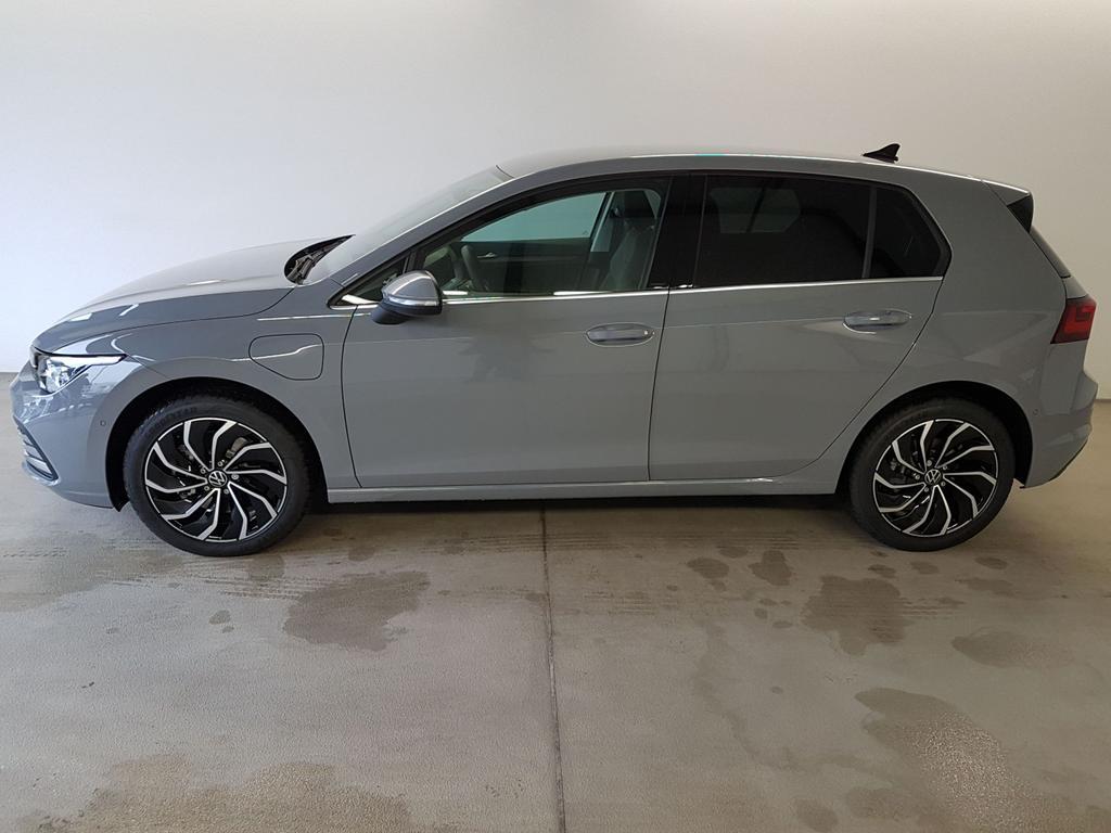 Volkswagen / Golf 8 / Grau /  /  / WLTP 1.4 eHybrid DSG OPF 110kW / 204PS