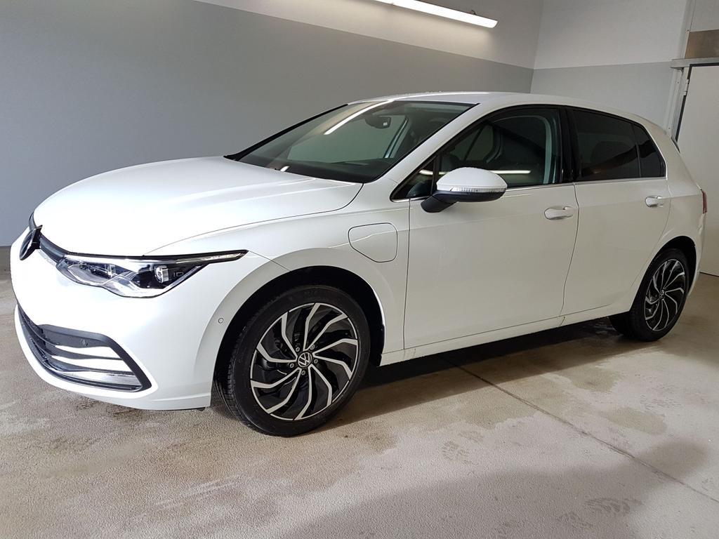 Volkswagen / Golf / Weiß /  /  / WLTP 1.4 eHybrid DSG OPF 110kW / 204PS