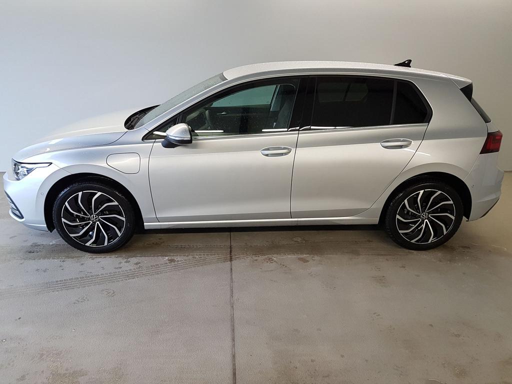 Volkswagen / Golf / Silber /  /  / WLTP 1.4 eHybrid DSG OPF 110kW / 204PS