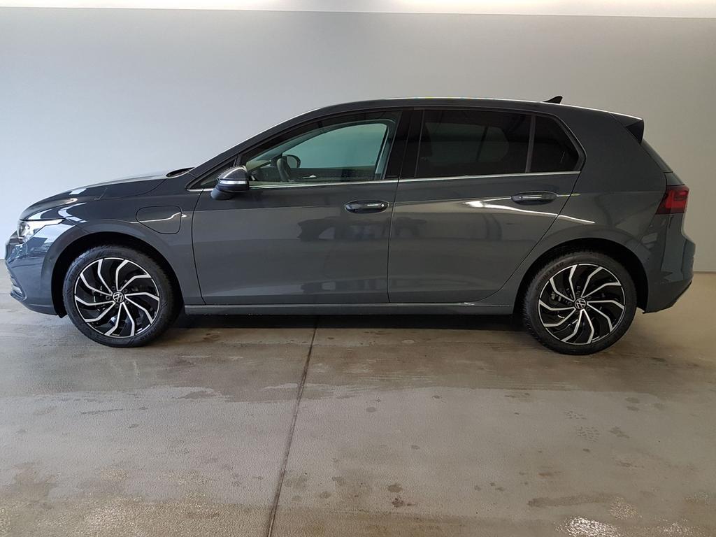 Volkswagen / Golf / Grau /  /  / WLTP 1.4 eHybrid DSG OPF 110kW / 204PS